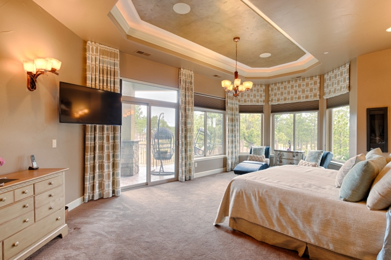 Master Bedroom Walkout
